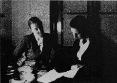 Marlow Moss and Netty Nijhoff looking at papers